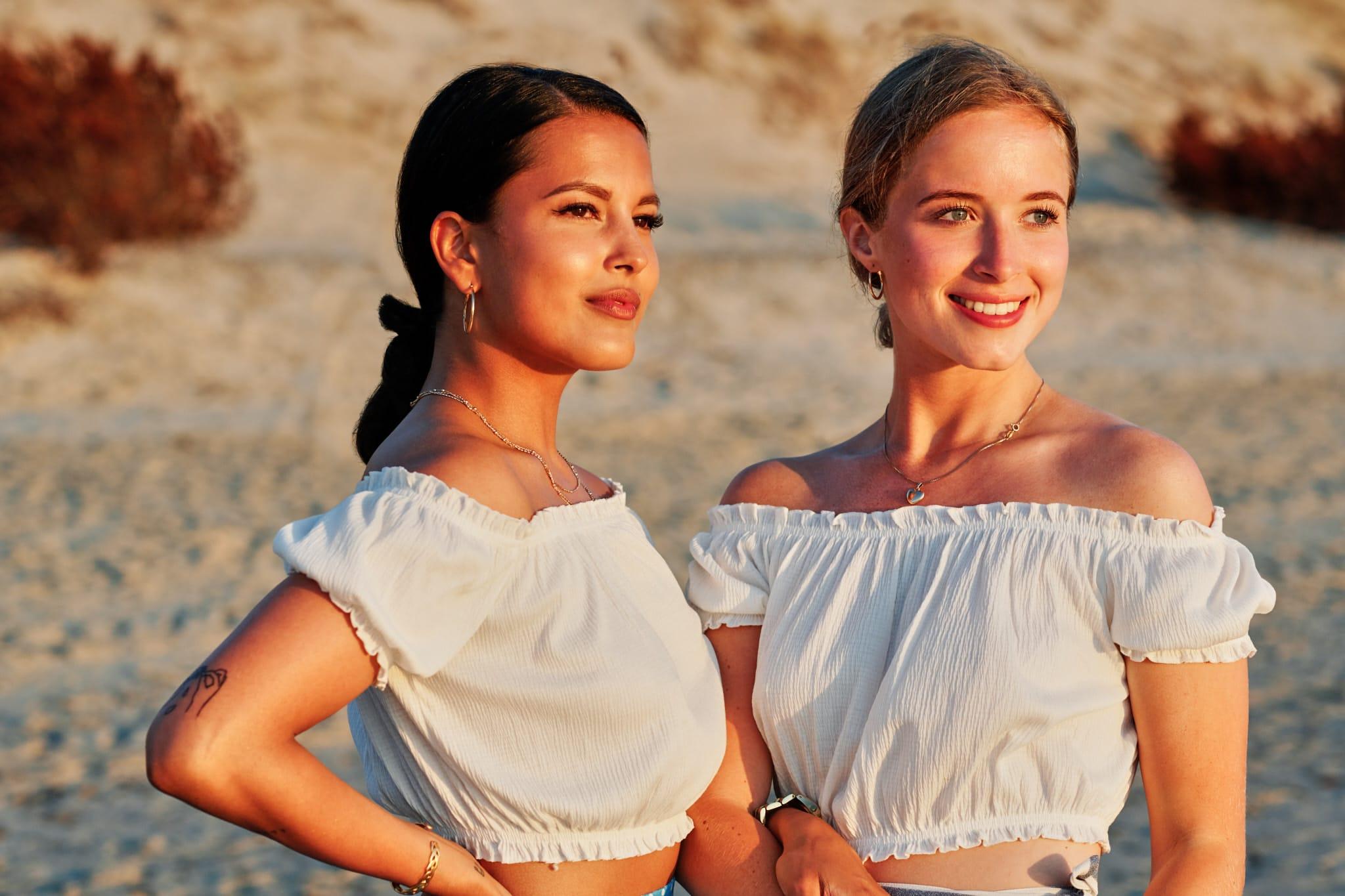 Portrætfoto af Clara og Cille